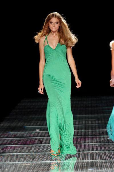 Versace at Milan Fashion Week Spring 2008 - Runway Photos