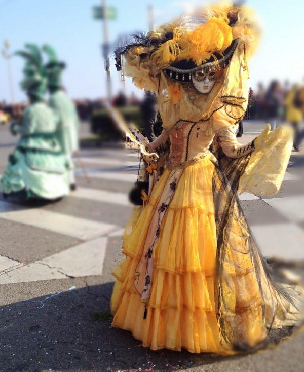 prachtvoll originell Faschingsparty organisieren als Adlige verkleiden