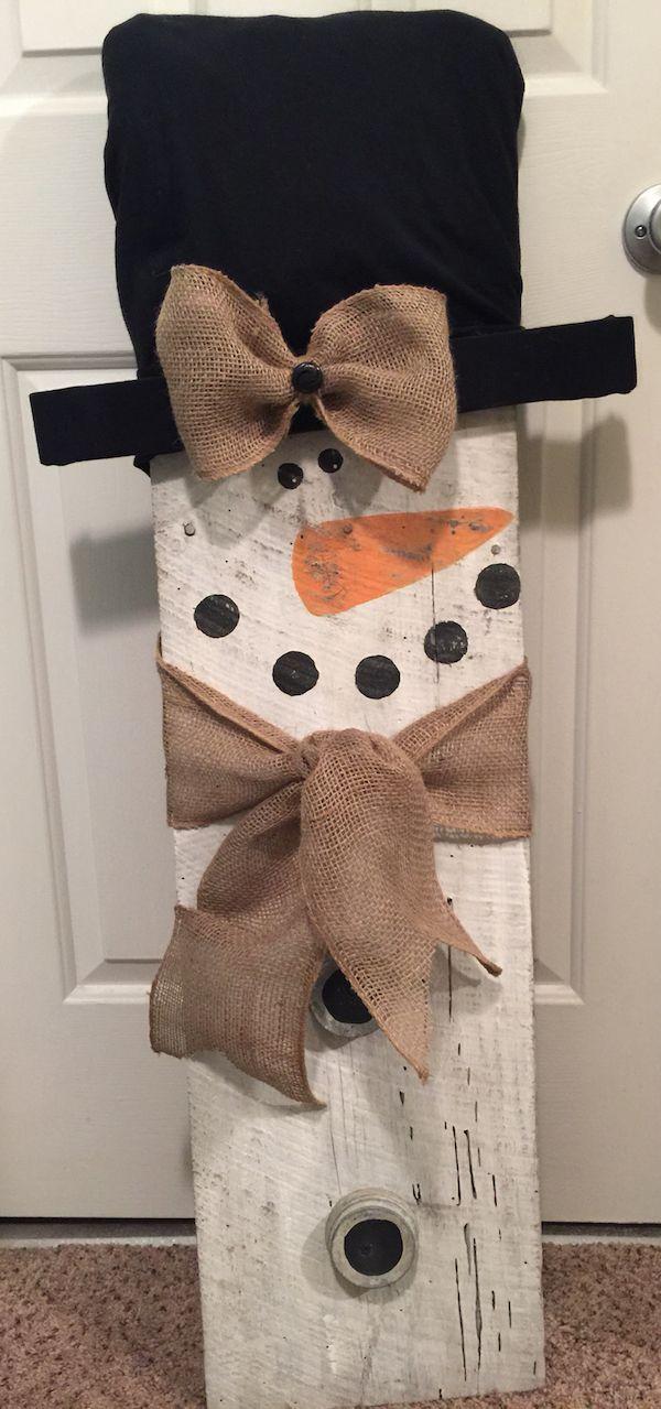 DIY Barn wood snowman.                                                                                                                                                                                 More
