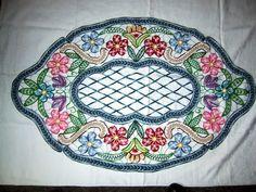 Colorful example of Romanian Point Lace crochet: Lectii de Macrame (mileuri) - Lectii de crosetat