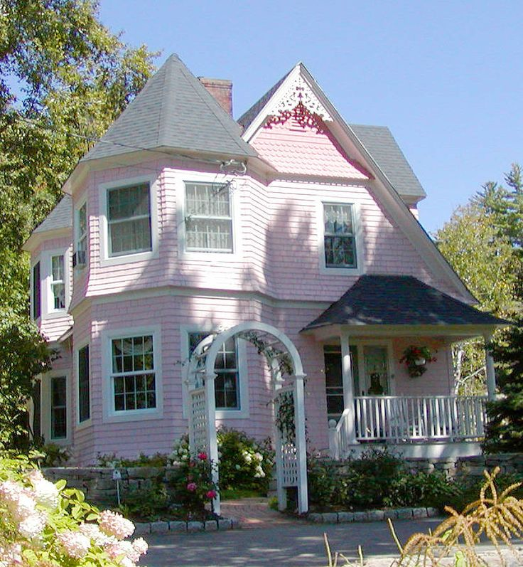 25 best images about queen ann homes on pinterest queen for Queen anne house