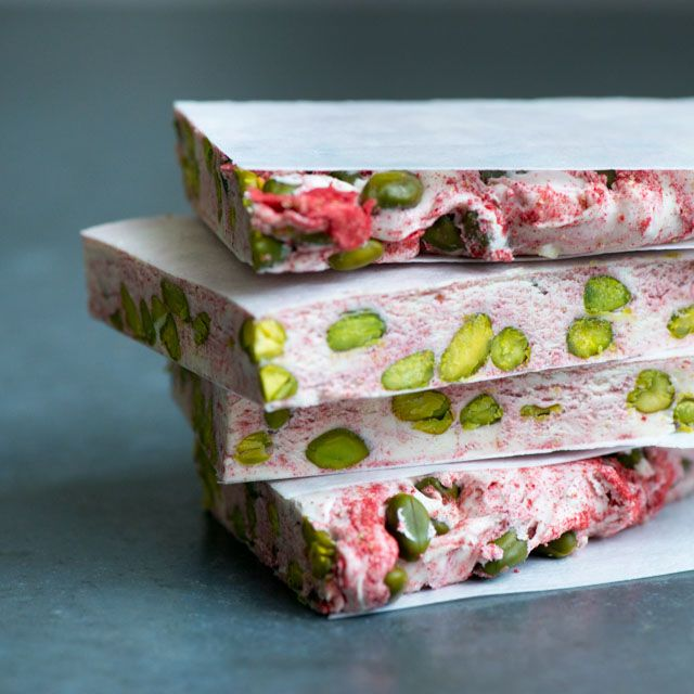 Strawberry and pistachios combine perfectly in this nougat recipe. The freeze-dried strawberry powder gives a hint of strawberry flavour and delicate pink colour, which contrasts with the …