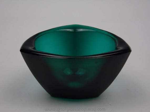 Nuutajarvi Notsjo teal coloured Haransilma/Bullseye bowl by Kaj Franck