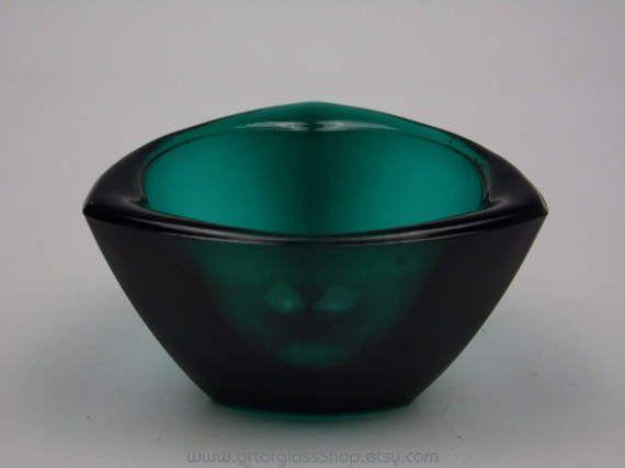 Nuutajarvi Notsjo teal coloured Haransilma/Bullseye bowl by Kaj Franck