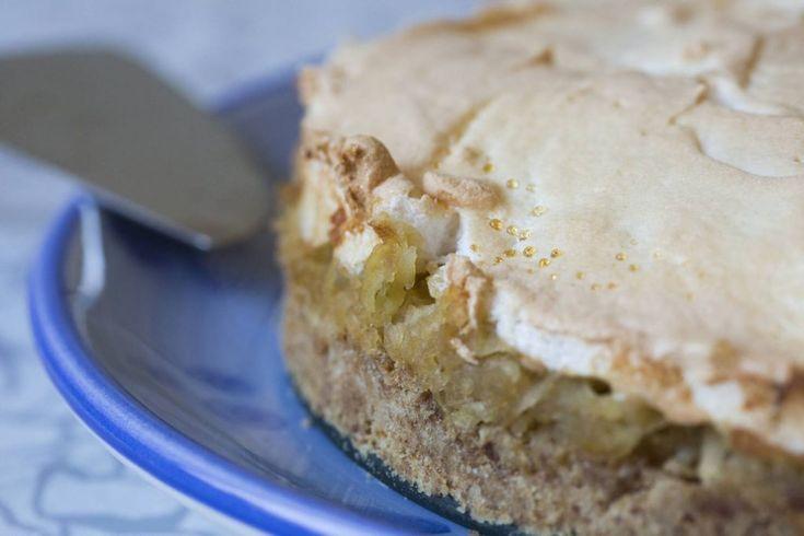 apple cake/ עוגת התפוחים של סבתא ריקה
