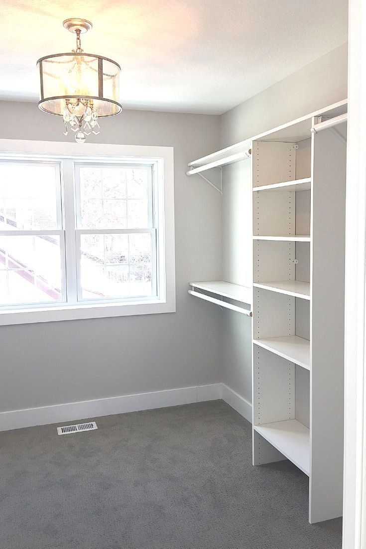 I Love This Walk In Closet With Crystal Chandelier Walkincloset Closetstorage Chandelier Remodel Closetremodel Home Decor Tips Home Decor Closet Remodel