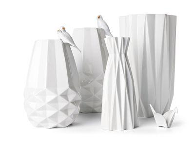 Origami vaas met 'diamant' vorm. Grootste vaas 42 cm. € 46; 31 cm. € 39