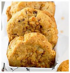 Crunchy Peanut Cookies | Huletts Sugar
