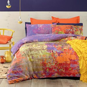 Awash with intense colour and decorative script, Spectrum features a paint splat design with contrasting reverse. Modern and stylish, this is perfect for studio, apartment living or the contemporary home. The quilt cover has press stud closure.