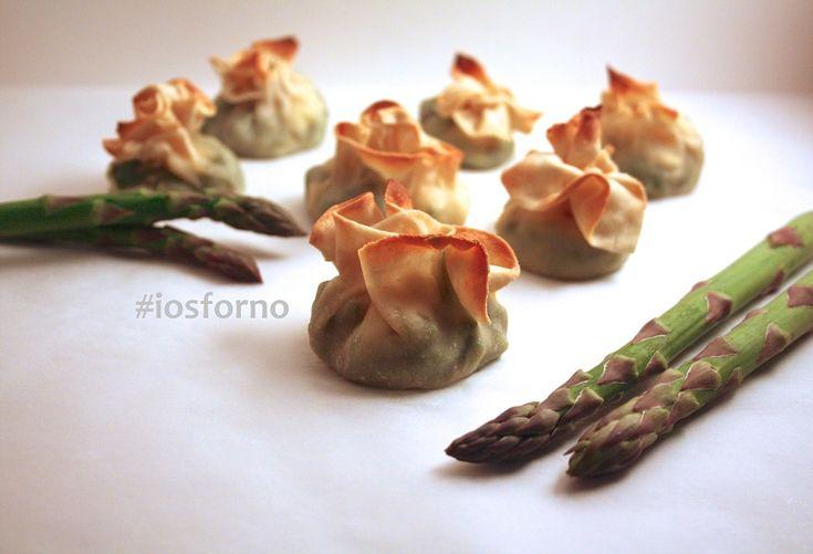 Fagottini di pasta fillo (fatta in casa!) con asparagi e feta