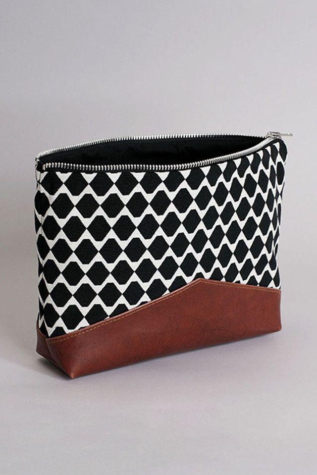 Kulturbeutel mit Mustern, Kosmetiktasche / cosmetic bag, accessory made by…