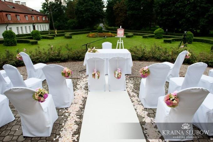 Outdoor wedding ceremony in Warsaw, Poland / ceremonia ślubna w plenerze, organizacja: Kraina Ślubów / fot. Paulina Sztenkiel/Kraina Ślubów