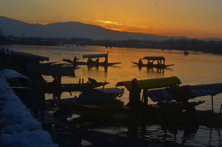 sun set on dal lake