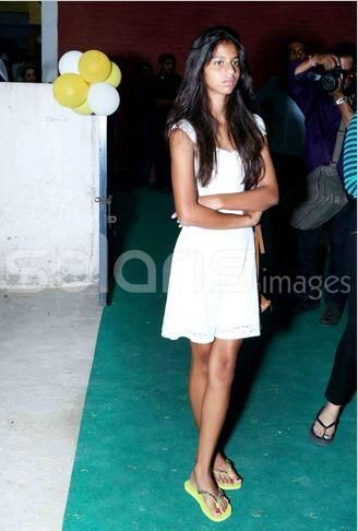 Suhana at opening of Gauri's cousin's Bakery Shop in Delhi, 28 June 2014.....
