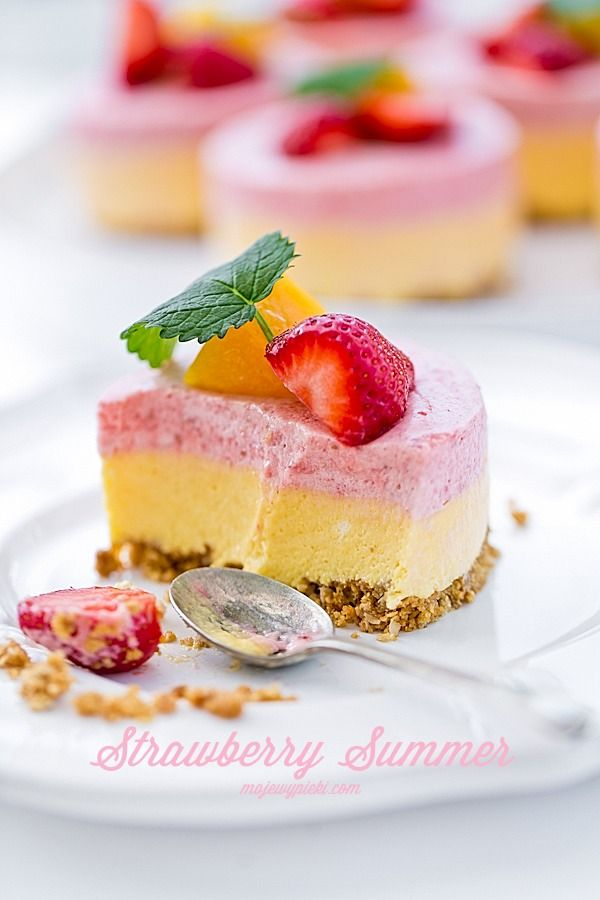 Strawberry Summer - letni deser z truskawek i mango