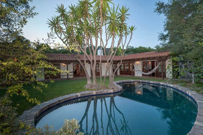 Robert Pattinson Quietly Acquires Hollywood Hills Hideout | Variety