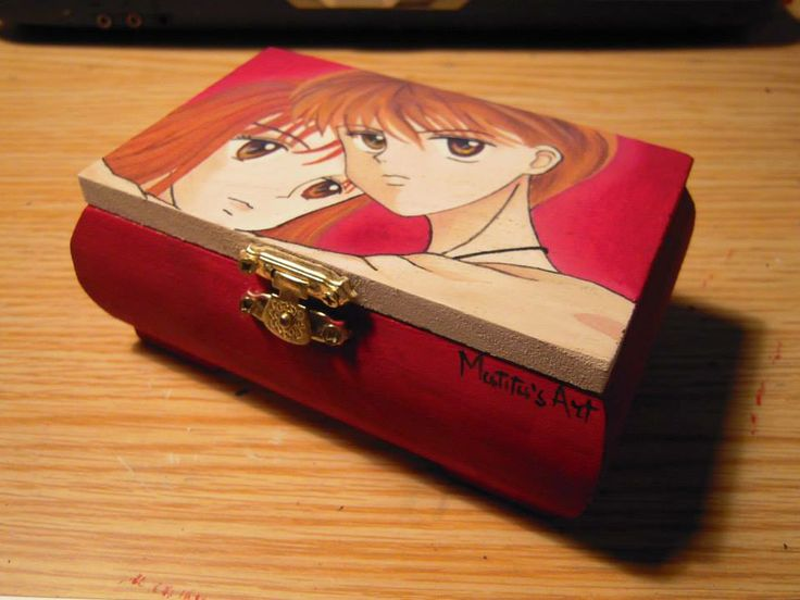 Rossana Box (hand-painted) by Matita's Art
