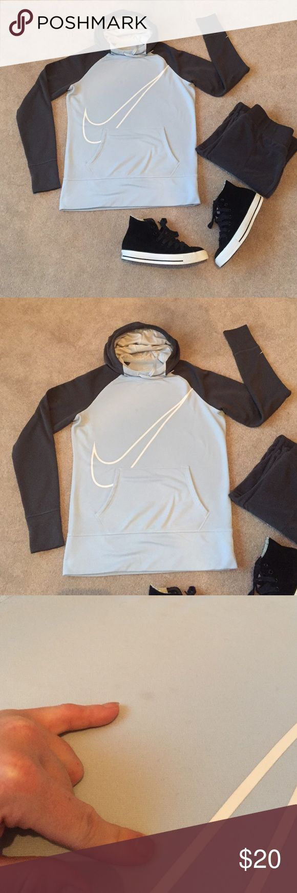 Women's Nike Therma-Fit fleece hoodie size medium Women's Nike Therma-Fit fleece hoodie. Full funnel cowl hood. Size medium with thumb holes. There are 2 little stains on the front that could probably be removed with some spray and wash? This is a no trade closet, lowball offers will be declined Nike Tops Sweatshirts & Hoodies