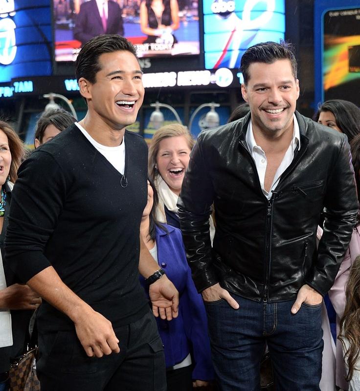 Ricky Martin with Mario Lopez for EXTRA TV!