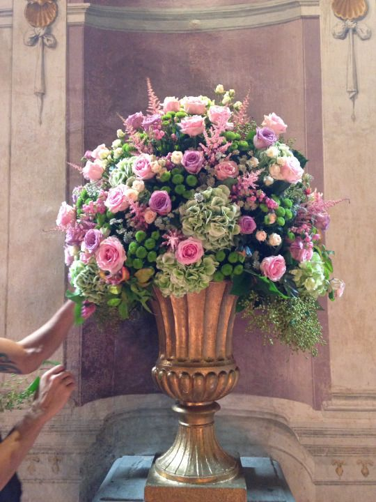 Flowers by Jardin Divers www.jardindivers.it @jardindivers engagement party, wedding in Tuscany, wedding in Florence, gold wedding, flower event, pink flowers