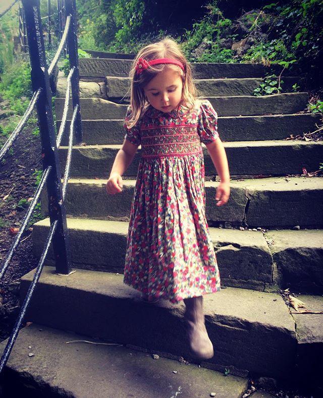 #clitheroe #clitheroecastle #hattieandboo #childrenswear #childrensaccessories #lancashire #traditional #libertyprint #libertyoflondonfabric #liberty #aliceband #madeinengland #smocking #smocked #dress - Thanks to @hattieandboo