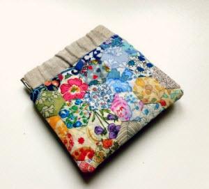 Tutorial: Flex frame pouch made of Liberty · Quilting | CraftGossip.com