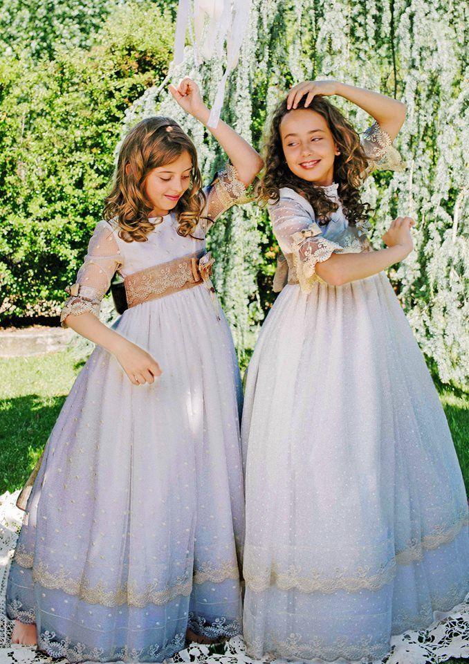 Catálogo vestidos de primera comunión para niña 2017 de la marca Periquetta