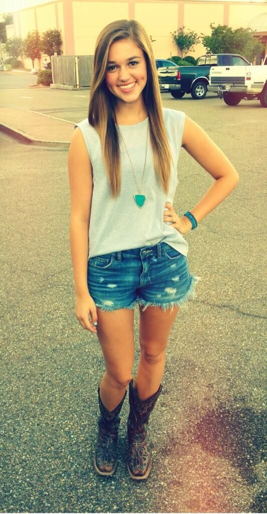 Sadie Robertson from duck dynasty >> cute jeans shorts, tank and cowgirl boots