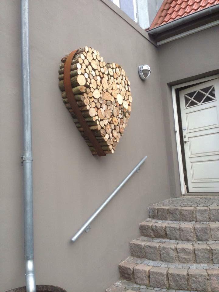 Herz aus Holz in Metallring