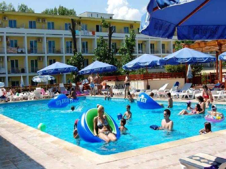 Hotel Central Mamaia, sejur minim 6 nopti cazare in camera dubla cu masa mic dejun, acces piscina si plaja la numai 50 m de hotel