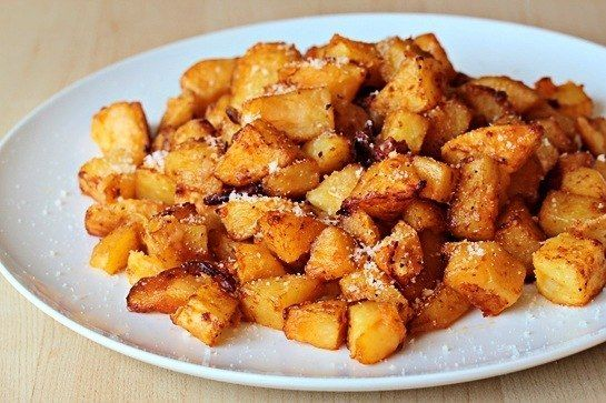 FRIED POTATOES IN THE OVEN WITH CHEESE