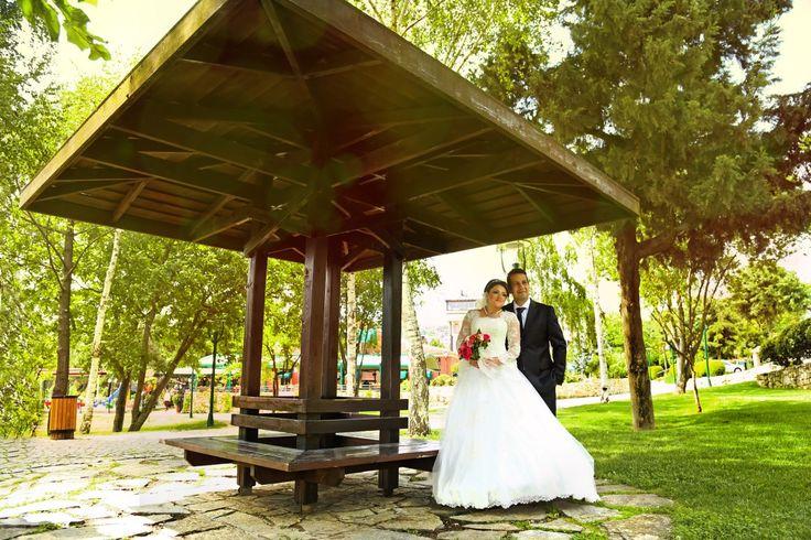 Yeni bir başlangıca adım attığınız ilk gününüzde en güzel anları sonsuzlaştırmak için İstanbul düğün fotoğrafçısı, Vip Düğün fotoğrafçısı olarak yanınızdayız...