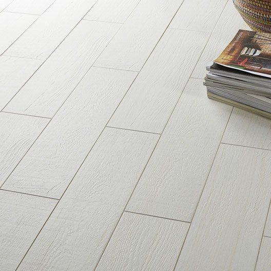 Best 25 carrelage effet parquet ideas on pinterest for Dcrasser carrelage sol
