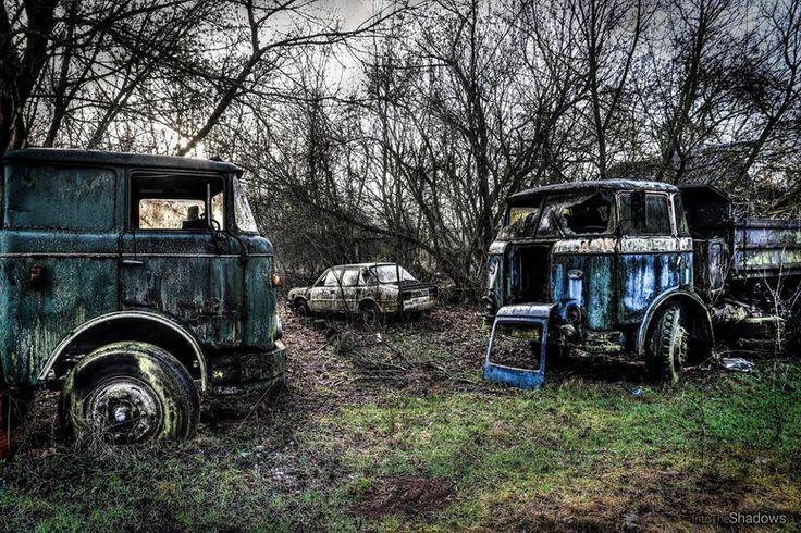 Abandoned car cemetery [920613] [OC] [OS]