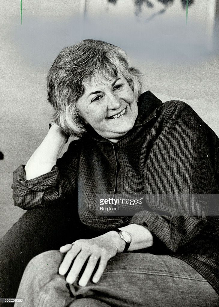 Actress Bea Arthur, the former Maude in the TV series of that name, is drawing raves on Broadway for playing a classic Jewish mother in Woody Allen play, The Floating Light Bulb.