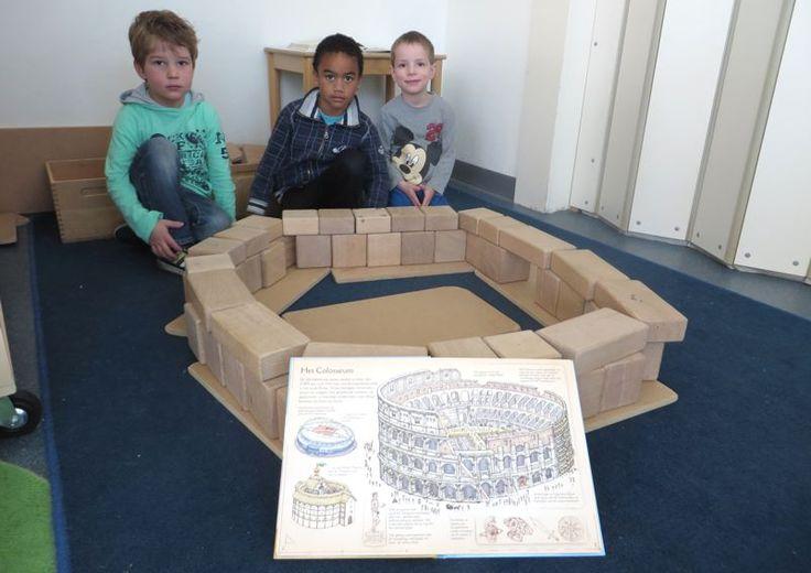 Gebouwen nabouwen in de blokkenhoek, thema kunst, Colosseum voor kleuters, kleuteridee.nl , Make the building in the block area 1.