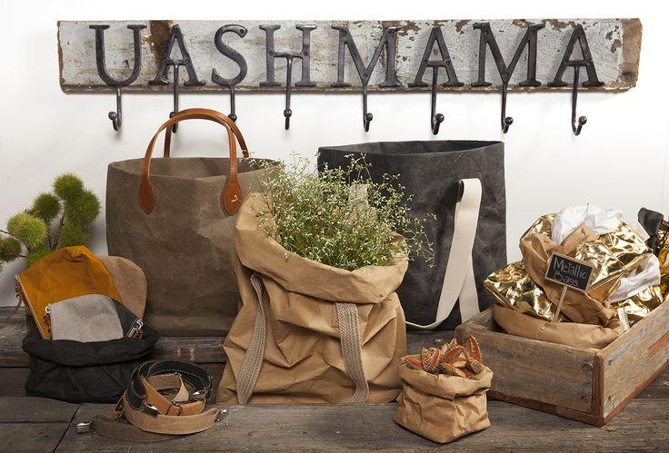 De wasbaar papieren tassen van UASHMAMA hebben een ambachtelijke en pure look en zijn ideaal voor het opbergen van etenswaren, schrijfwaren of andere losliggende spullen. Of gebruik ze als decoratie voor thuis, bijvoorbeeld om een plantenbak.
