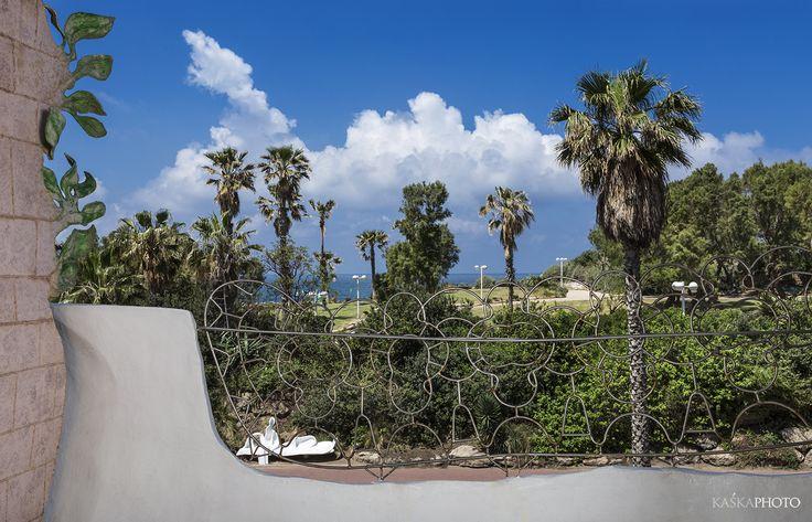 """Crazy House"" in Tel Aviv with stunning view. photo by Kaśka Sikora #telaviv #realestate #realestatetelaviv #property #residential #stunning #luxurylife #lifestyle #sea #sun  #seaview #clouds #luxuryrealestate #luxuryapartments #gaudistyle #balcony #balconyview #balconydecor #artwork #parkview #citylife #KaśkaSikora #KatarzynaSikora #photos #architecture #landscapes #photography #Israel #exclusiveapartmentforsal"
