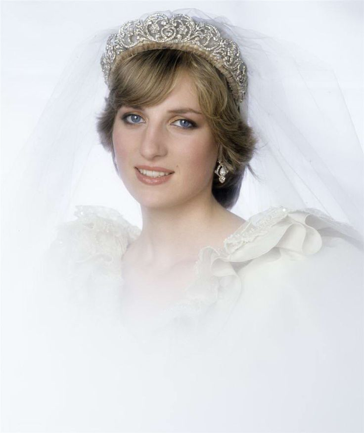 Princess Diana...so radiant on her wedding day.  Too bad her happily ever after didn't happen.
