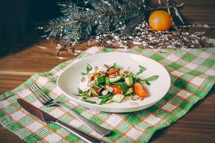 Легкий салат с заправкой из творога - пошаговый рецепт приготовления салата с фото