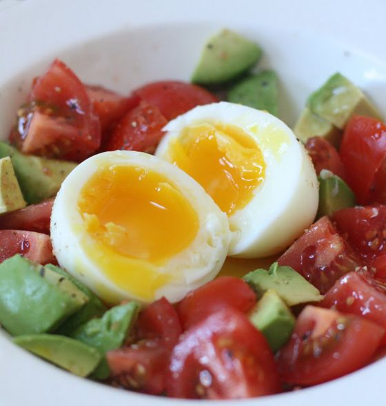Maxines Burn : Boiled Egg with Tomato & Avocado