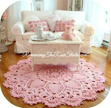 rug crocheted - pink carpet for living room - shabby chic idea