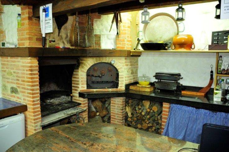 Casa Rural en Salamanca, La Chirumba, cuenta con Spa privado y piscina climatizada, es una casa de lujo ideal para pasar unas vacaciones.