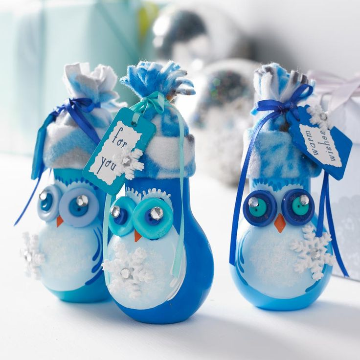 Craft Painting - Handpainted Owl Gift Jars - light bulb jars are so cute! a great little DIY Christmas gift or teacher gift idea!