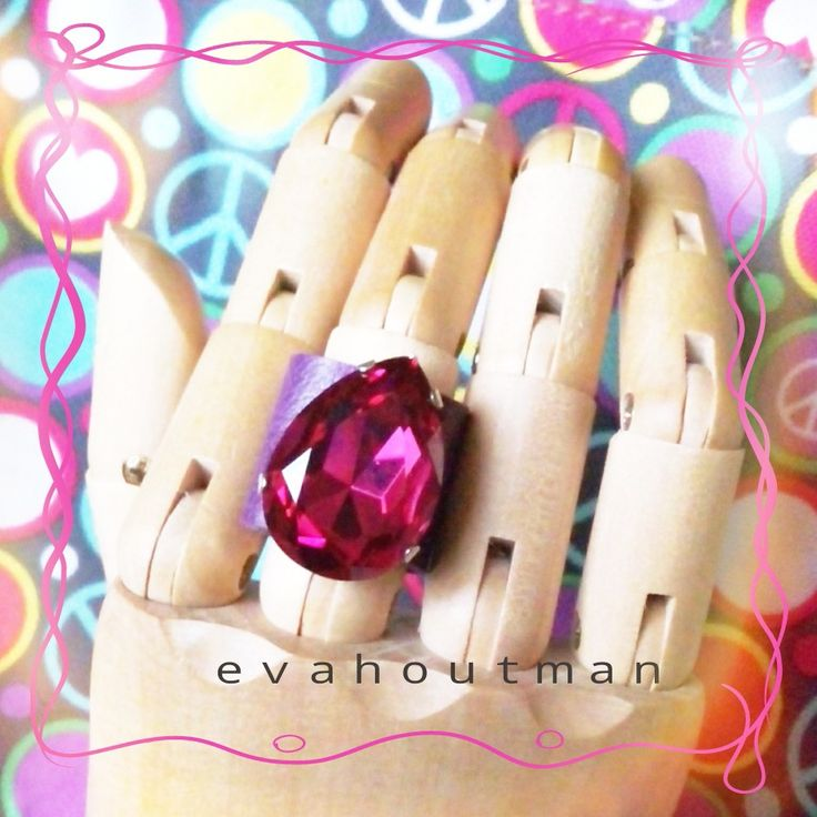 #fuschia time... ヾ(*´∀`*)ノ #newproject #newring #ring #fuschia #clear #crystal #custom #creativity #cincin #fashion #accessories #fashionthings #forsale #sale #syntheticleather #handmade #hijabers #blingblink