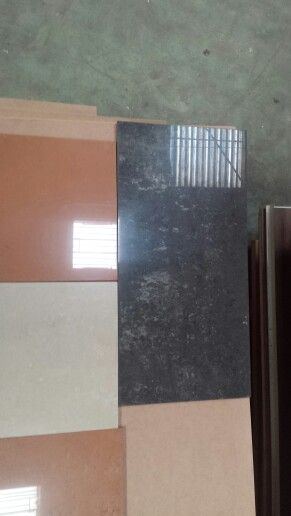 Destockage carrelage poli rectifié italien 17eur m2