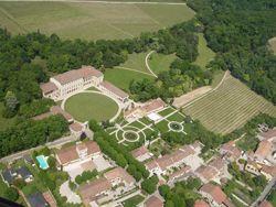 Vista aerea del parco villa Perez di Illasi