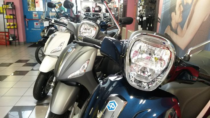 """PIAGGIO BEVERLY... LOOK AT ME!! YOU'LL OVE ONLY WHEN I SAY:"""" GO!"""" @piaggioofficial"""