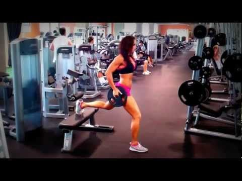 Erin Stern demonstrates Bulgarian split squat.A great unilateral exercise - you can also do these at home or while traveling (with either no weight, or with bands)!