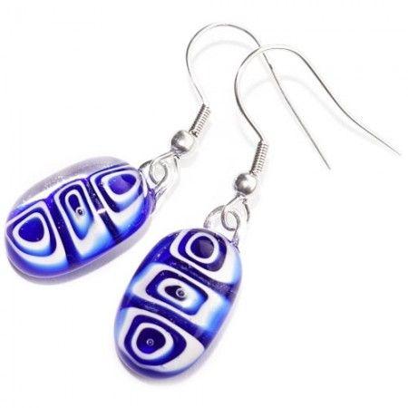 Handgemaakte blauwe oorbellen van blauw en wit glas. Oorbelhaakjes naar keuze! 925 Sterling Zilver, Chirurgisch Staal of Verzilverde oorbelhaakjes.